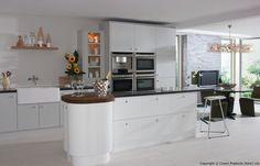 White & light grey painted kitchen in a modern & uncluttered slab style. Wren Kitchen, Kitchen Cost, Kitchen On A Budget, Kitchen Cupboards, Kitchen Island, Kitchen Ideas, Ikea Cabinets, Kitchen Units, Grey Painted Kitchen