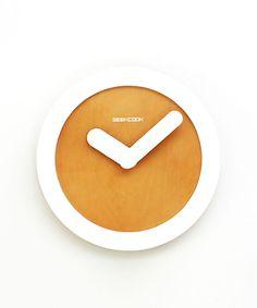 Minimalist Wall Clock ++ Dot & Bo