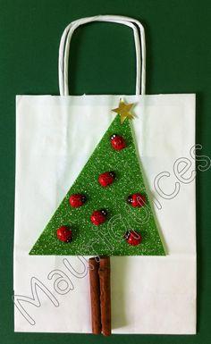 As joaninhas pousaram na árvore de Natal!