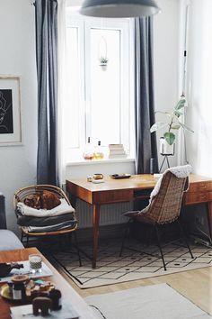 18 Likes - Entdecke das Bild von ClaudettaDoitbutdoitnow auf COUCHstyle zu 'Für mehr Licht im #HomeOffice aka #wohnzimmer #vinta...'.