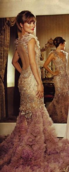 × Divine gown… love the hair & makeup as well! / #haute #elegance #gown #design