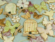 Butterflies, bumblebees, and birds by Lucy of Honeycat Cookies | Cookie Connection