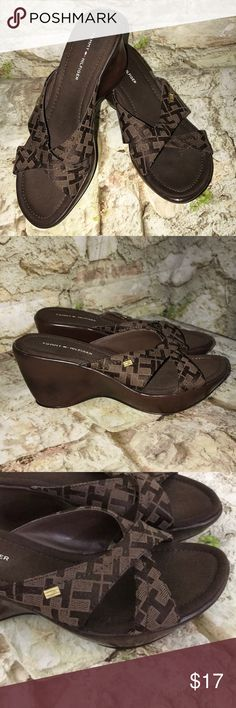 Tommy Hilfiger sandals size 6 m Tommy Hilfiger sandals size 6 m used good condition, they do have one nick on back heel at Top shown in picture Tommy Hilfiger Shoes Sandals