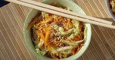 Chinese Food Recipes 87416 Grated carrots and finely chopped Chinese cabbage, pan-fried and Asian-flavored with ginger, garlic, sesame and soy sauce Chinese Noodle Recipes, Chinese Chicken Recipes, Easy Chinese Recipes, Greek Recipes, Indian Food Recipes, Asian Recipes, Ethnic Recipes, Chinese Cabbage, Chinese Food