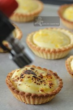 Me a copycat? Yeah. Sort of... Sorry that I don't mean to pinch the idea of baking molten lava cheese tarts that are like those selling a...