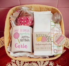Lola Wonderful_Blog: Packs Spa personalizados - Regala cuidados Craft Gifts, Diy Gifts, Fun Crafts, Diy And Crafts, Coffee Box, Party In A Box, Corporate Gifts, Love Gifts, Gift Baskets