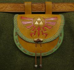 Legend of Zelda Sporran by ~DerGrundel on deviantART. If I had a kilt, knob, and lived in Scotland I would so wear this
