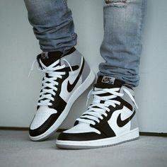 "Air Jordan 1 Retro High OG ""Baron"" Source by haileyyyallison jordan Sneakers Mode, Sneakers Fashion, Shoes Sneakers, Kd Shoes, Black Sneakers, Jordan Shoes Girls, Air Jordan Shoes, Jordan Nike, Jordan 12s"