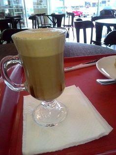 Café sempre cai bem né? Pelo menos aqui no Destino Mundo Afora nós amamos café! Por isso, no meio das compras na Havan de Araranguá, se bater aquela fominha ou uma vontade de tomar café, pode ir sem medo ao café que tem na loja.