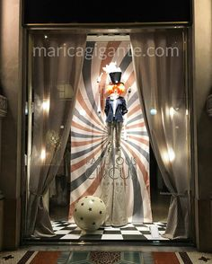 Circus is in town at @stefanel_official #window. Really catchy display that grab attention and guide eyes up to unusual focal point!