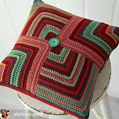 Crochet Pillow Patterns Part 3 - Beautiful Crochet Patterns and Knitting Patterns Crochet Cushion Cover, Crochet Pillow Pattern, Knit Pillow, Crochet Motifs, Crochet Cushions, Crochet Squares, Crochet Patterns, Pillow Patterns, Crochet Mandala