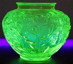 DEPRESSION ERA URANIUM VASELINE GLASS POPPY VASE BY TIFFIN ART GLASS YELLOW