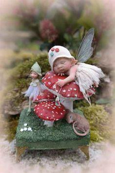 Felt Fairy, Baby Fairy, Clay Fairies, Fairy Furniture, Fairy Figurines, Beautiful Fairies, Funny Tattoos, Fairy Art, Fairy Dolls