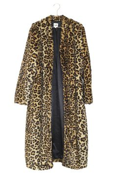 Feel extra luxurious in this leopard print coat! Xmas Wishes, Leopard Print Coat, Beige, Leopards, Warm Coat, Ivoire, Winter Accessories, Closets, Identity