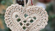 Crochet Hooks, Free Crochet, Knit Crochet, Crochet Christmas Decorations, Christmas Crafts, Christmas Knitting Patterns, Crochet Patterns, Yarn Crafts, Diy And Crafts