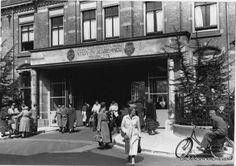 Ingang ziekenhuis Oostersingel 1953 (toen nog 'Algemeen-, Provinciaal-, Stads- en Academisch Ziekenhuis)