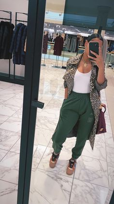 Chill Outfits, Dope Outfits, Cute Casual Outfits, Stylish Outfits, Black Girl Fashion, Cute Fashion, Mode Streetwear, Streetwear Fashion, Winter Looks