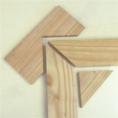 Easy picture frame clamp #WoodworkingTips