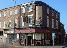 Richmond Lodge or McHale`s Bar, Kensington