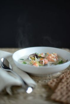 Bergen Fish Soup (Bergensk fiskesuppe) by Outside Oslo A Food, Good Food, Food And Drink, Yummy Food, Seafood Recipes, Soup Recipes, Recipies, Norwegian Food, Norwegian Recipes