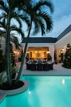 Palm Beach Style In A Residence by Les Ensembliers, Florida Outdoor Inspirations Strand Design, Outdoor Spaces, Outdoor Living, Outdoor Retreat, Backyard Retreat, Outdoor Kitchens, Outdoor Decor, Palm Beach Regency, Design Exterior