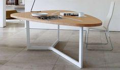 Tables: SEVEN - Collection: B & B Italia - Design: Jean-Marie Massaud