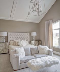 53 Beautiful White Bedroom Decoration That Will Inspire You. When we go furniture shopping, it's no casual event. Furniture is expensive and we intend that it last a long time. White Bedroom Decor, Cozy Bedroom, Bedroom Bed, Bedroom Colors, Home Decor Bedroom, Bedroom Ideas, Master Bedroom, Bedroom Scene, Blue Bedroom