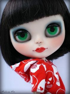Blythe ✿✿✿ Don't like the ring in her nose, else she is lovely!