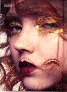 Lily Cole #gold #plum #makeup