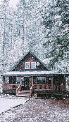 49 Beautiul Log Homes Ideas to Inspire You Beautiful Homes, Beautiful Places, Woodland House, Haus Am See, Log Cabin Homes, Log Cabins, Cozy Cabin, Winter Cabin, Snow Cabin