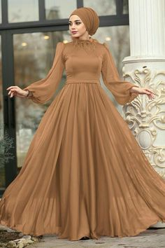 Hijabi Gowns, Indian Gowns Dresses, Pakistani Wedding Dresses, Wedding Hijab, Hijab Evening Dress, Hijab Dress Party, Stylish Dresses For Girls, Stylish Dress Designs, Frock Fashion