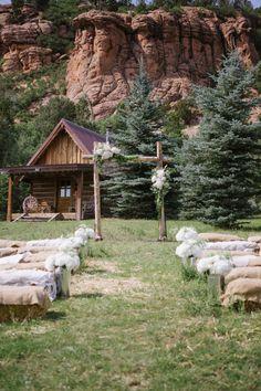 Chic Ranch wedding at Red Cliffs Ranch in Utah