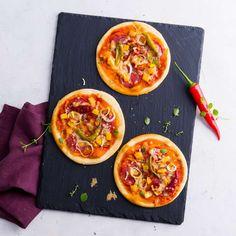 Zobrazit Pikantní pizza Diavolo receptů Vegetable Pizza, Vegetables, Food, Oven, Food Portions, Website, Essen, Vegetable Recipes, Eten
