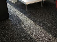 Marmerstone vloer - Siergrindvloer waarbij de natuurlijke kleur van het marmer wordt gebruikt Beton Design, Inspiration Wall, Cozy House, Floors, Sweet Home, Architecture, House Styles, Decoration, Home Decor