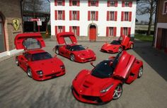 Kroymans Ferrari houdt bijzondere parade