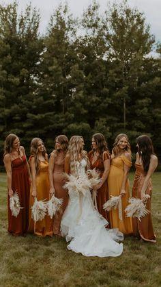 Cute Wedding Ideas, Wedding Goals, Boho Wedding, Fall Wedding, Wedding Inspiration, Cinema Wedding, Wedding Bridesmaid Dresses, Dream Wedding Dresses, Boho Bridesmaids