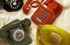 This post is dedicated to a very special gadget that changed our lives in a very important way, vintage phones changed a lot in a short period of time! Gold Bedroom Decor, Bedroom Ideas, Duck Wallpaper, Vintage Phones, Beautiful Color Combinations, Landline Phone, 1970s Cartoons, Ring Ring, Looney Tunes