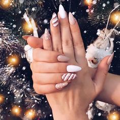 Chistmas Nails, Xmas Nails, Holiday Nails, Christmas Holiday, Christmas Acrylic Nails, Nail Art For Christmas, Simple Christmas Nails, Winter Acrylic Nails, Christmas Manicure