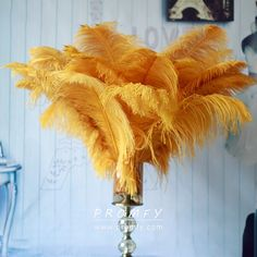 Fluffy ostrich feathers fabric for sale. Ostrich feather for special occasion dresses such as prom dresses, ball gowns. The price of feathers varies greatly with different lengths. Wedding Centerpieces, Wedding Bouquets, Wedding Decorations, Decor Wedding, Blush Centerpiece, Dusty Blue, Home Wedding, Diy Wedding, Wedding Ideas
