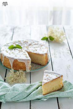 Torta con fiori di sambuco glassata Holunderblütenkuchen  http://blog.giallozafferano.it/passionecooking/torta-fiori-sambuco/