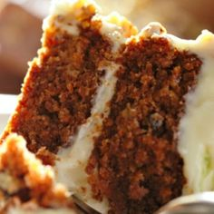 This carrot cake recipe is easy to make, healthy and delicious with added fruit to make it nice and moist. It's the best carrot cake recipe I have. Gluten Free Carrot Cake, Vegan Carrot Cakes, Gluten Free Desserts, Just Desserts, Dessert Recipes, Carrot Cake Recipe Without Nuts, Frosting Recipes, Low Fat Carrot Cake, Carrot Muffins