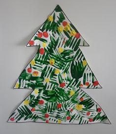Christmas Tree Craft for Kids - What a cute idea for painting a Christmas Tree! Perfect for toddler, preschool, or kindergarten age.