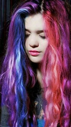 She just awesome! :O Love this hair! :) ♥♥