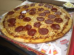 Do you prefer your slice with or without crust? #BMPPBurbank  https://ordernow.bigmamaspizza.com/locations/burbank/