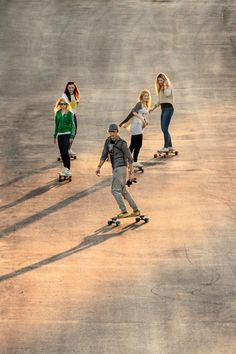Shop for Longboard Completes at Blue Tomato. Skates, Girls Skate, Long Skate, Skate Style, Surf Style, Skateboards, Snowboarding, Skiing, Belle Photo