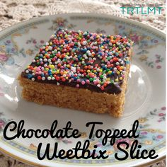 Weetbix Slice is always a winner. I have a Weetbix Slice with hidden goodies recipe already Chocolate Weetbix Slice, Chocolate Topping, Chocolate Icing, Melting Chocolate, Bellini Recipe, Thermomix Desserts, Goodies Recipe, Food Processor Recipes, Cake Recipes