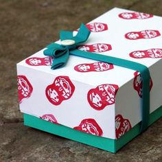 Gwenny Penny: Simple Custom Gift Box Tutorial