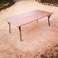 mesa de oficina: hierro y madera enchapada medidas 2,20 m x 1,18 m x 75 cm