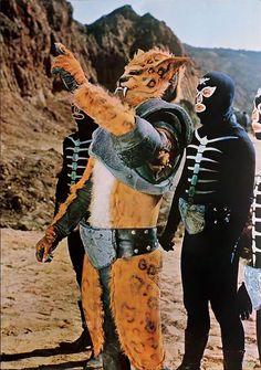 悪魔の軍団ショカーの最強怪人の1人, ジャガーマンと戦斗員