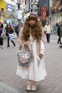 I like Japanese street fashion, especially gothic lolita, dolly kei and cult party kei. Harajuku Mode, Harajuku Fashion, Kawaii Fashion, Harajuku Girls, Tokyo Street Fashion, Japanese Street Fashion, Grunge Style, Soft Grunge, Mori Girl Fashion